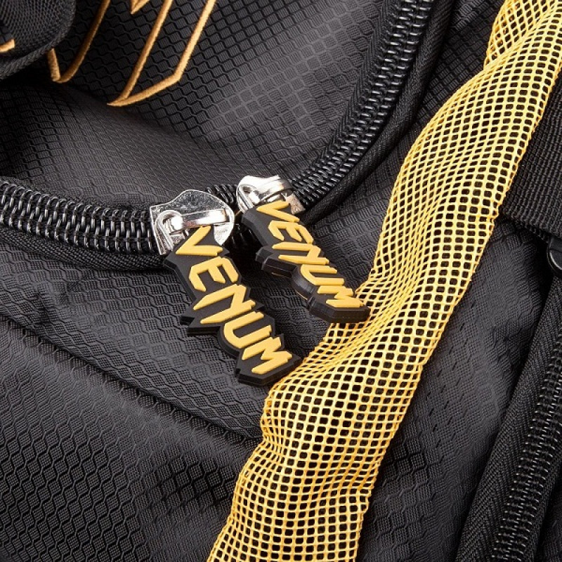 Сумка Venum Trainer Lite Sport Bag Black/Gold (01372) фото 4