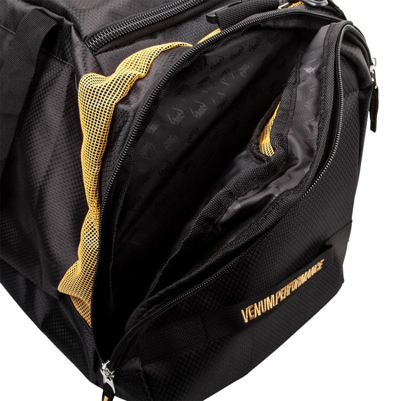 Сумка Venum Trainer Lite Sport Bag Black/Gold (01372) фото 3