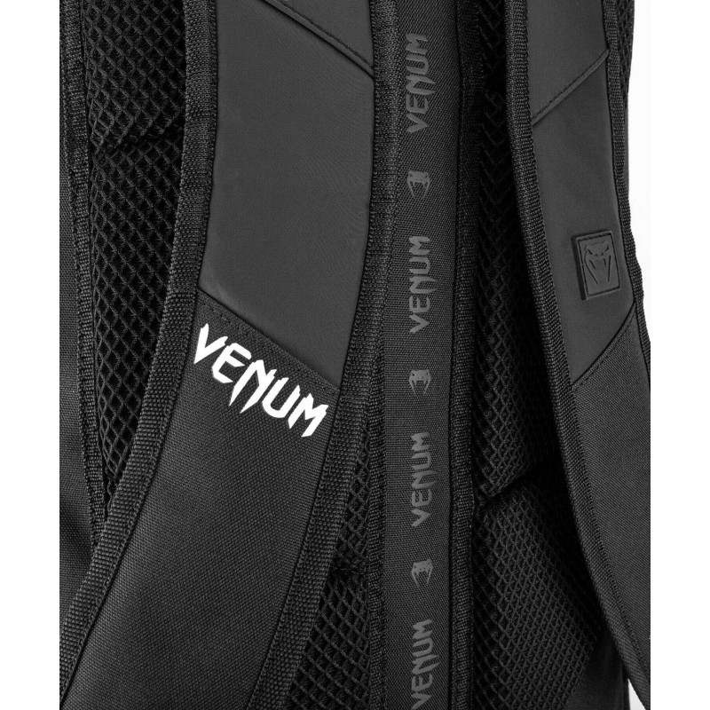 Рюкзак Venum Challenger Xtrem Evo чорно-білий (01986) фото 10