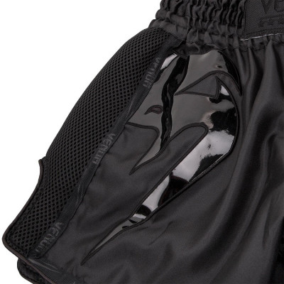 Шорти Venum Giant Muay Thai Shorts Black/Black (01713) фото 3