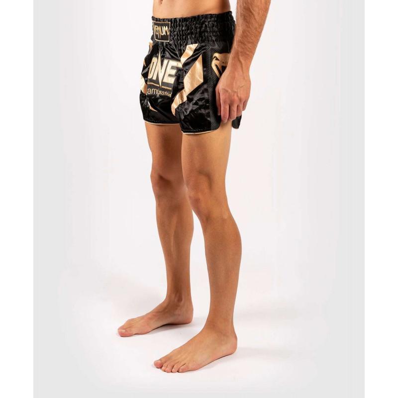 Шорты Venum ONE FC Muay Thai Shorts Black/Gold (01952) фото 3