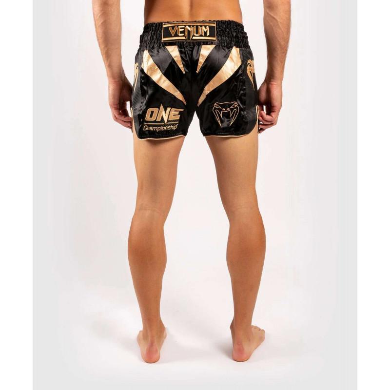 Шорты Venum ONE FC Muay Thai Shorts Black/Gold (01952) фото 2