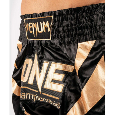 Шорты Venum ONE FC Muay Thai Shorts Black/Gold (01952) фото 5