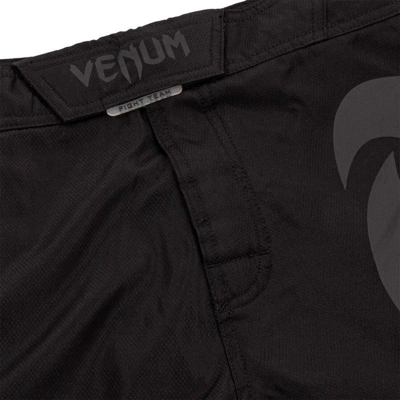 Шорты Venum Light 3.0 Fightshorts Black/Black (02011) фото 5