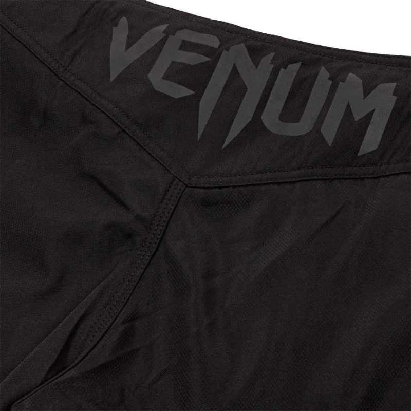Шорты Venum Light 3.0 Fightshorts Black/Black (02011) фото 7
