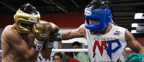 Бой в боксерских шлемах